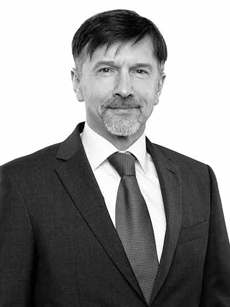 Petr Kareš MRICS,Head of Tenant Representation